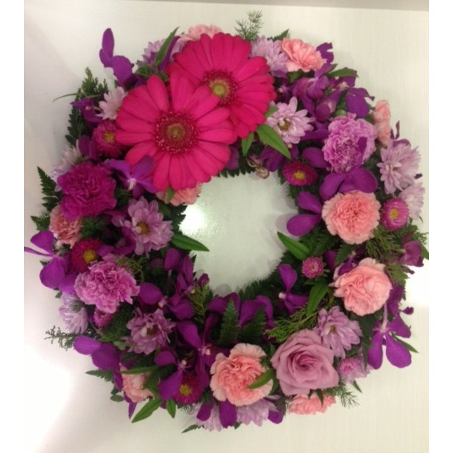 Round Watermelon Wreath - Image 1