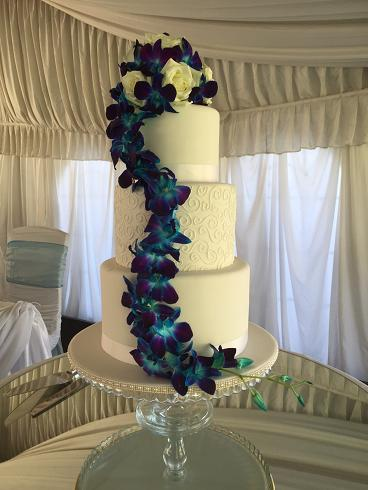 more on Blue galaxy cake flowers