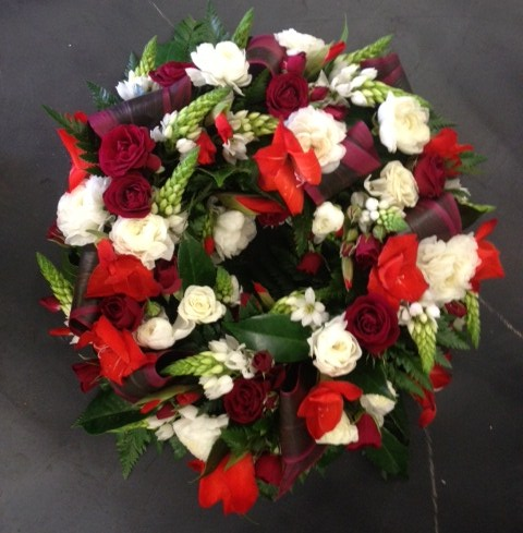 more on Round Mixed Wreath in Reds and Whites with Rolled Leaves