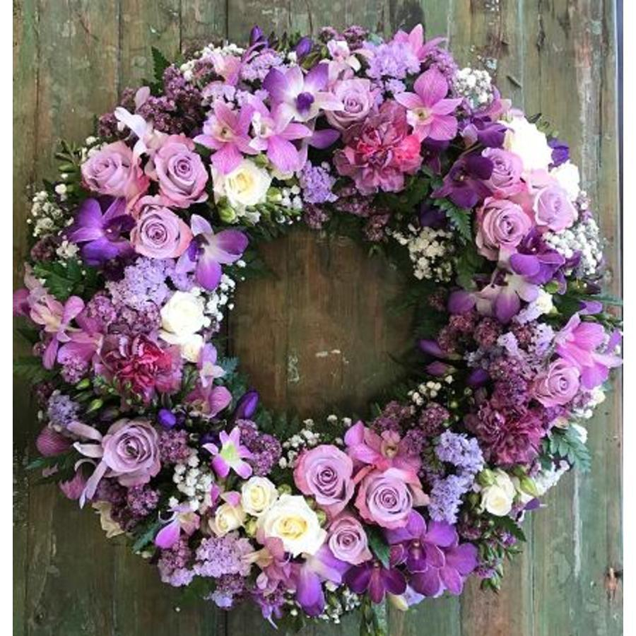 Round Wreath of Lilac - Image 1