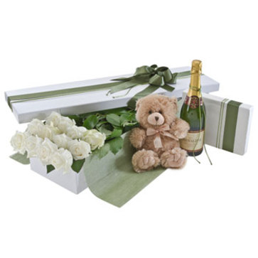 more on White roses, deluxe presentation box